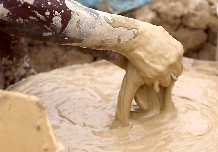 mud-cookie-hands