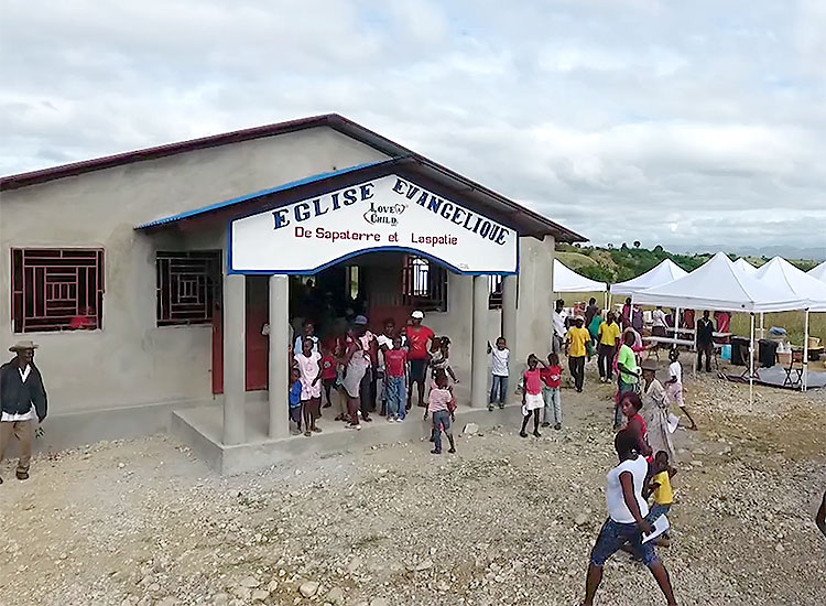 Mobile Medical Clinic at the new church in Sapaterre.