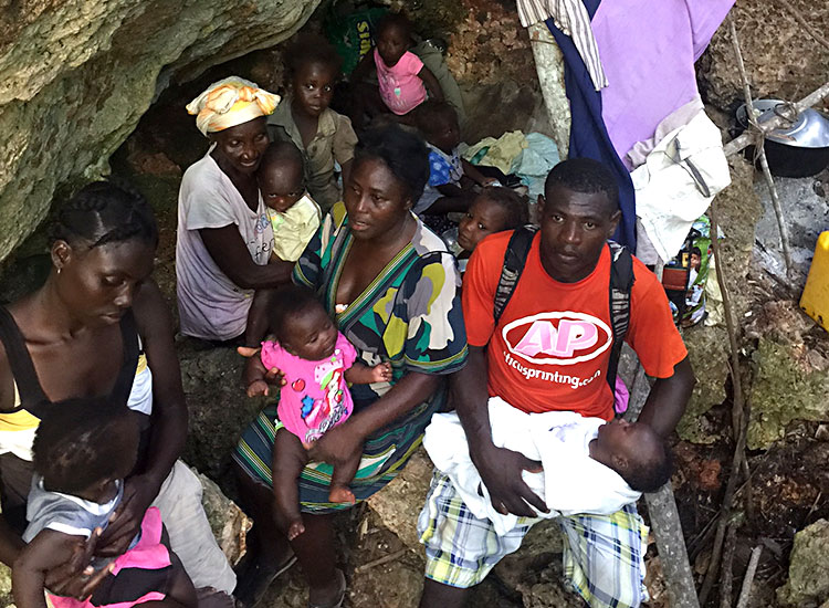 Several babies are born in the caves of Haiti