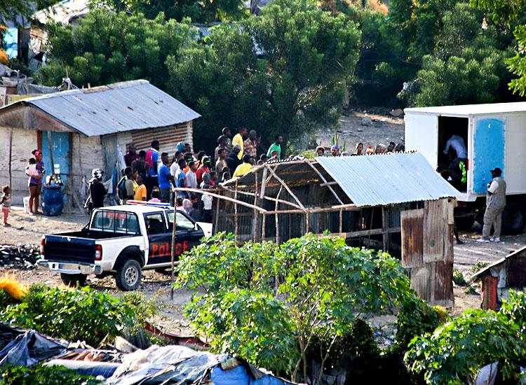 The Cité Soleil dump site are ruled by dangerous gangs.